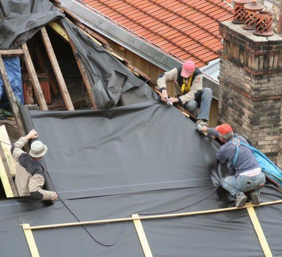 leaking roof repairs wollongong